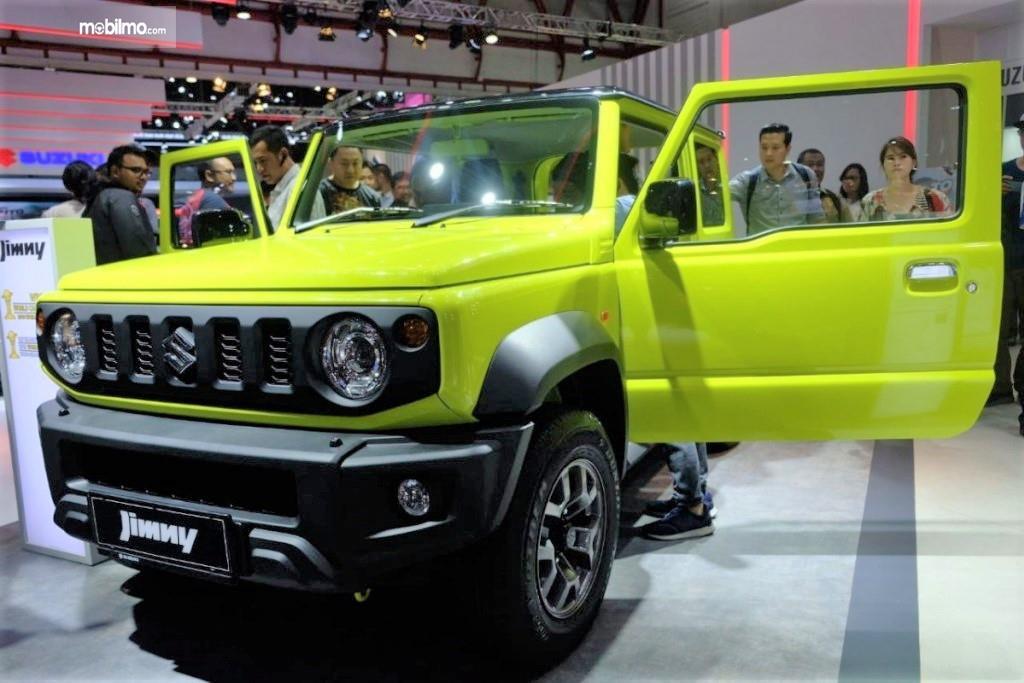 Gambar menunjukkan Suzuki Jimny saat di pameran IIMS 2019