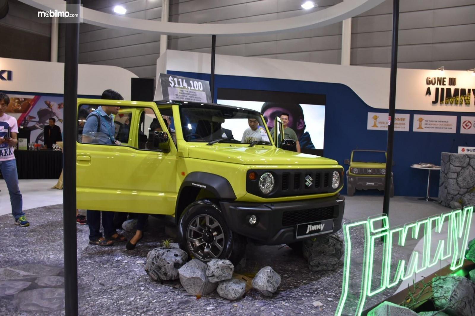 Tampilan Suzuki Jimny di pameran otomotif Cars@Expo 201 Singapura, menggoda pengunjung