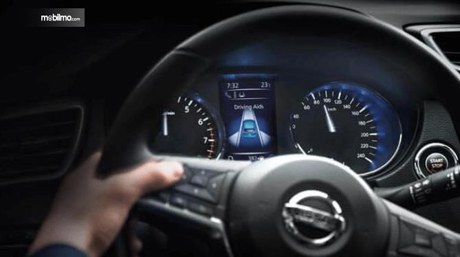 Gambar ini menunjukkan Fitur Active Driving Aids yang dimiliki oleh Nissan Qashqai 2019