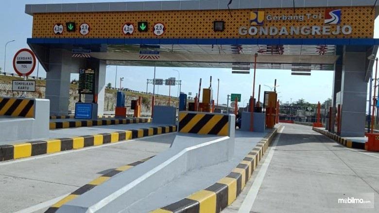 Foto Gerbang Tol Gondangrejo, belum difungsikan seratus persen