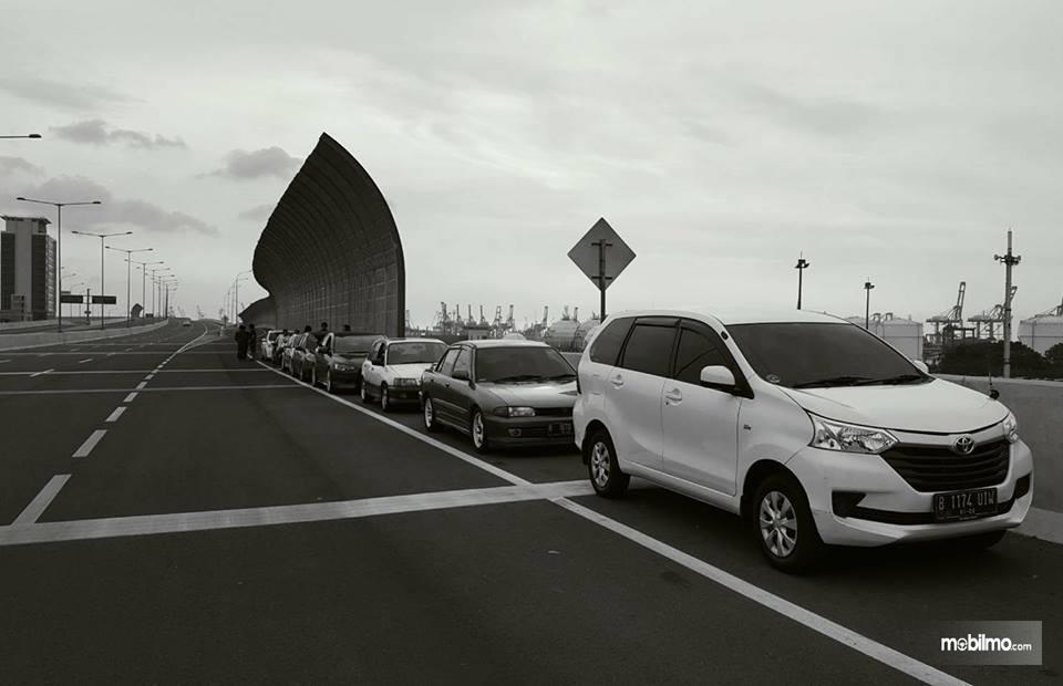 banyak Toyota Avanza E 2017 di jalan