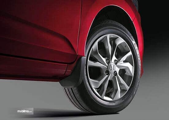 Ban dan pelek Honda Brio Amaze