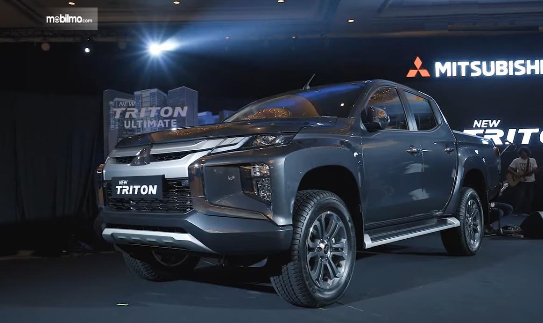 Foto menunjukkan Mitsubishi New Triton saat diperkenalkan di Jakarta, 2 Juli 2019