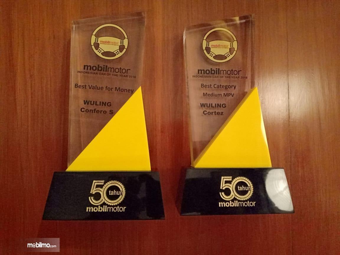 Foto Penghargaan Wuling Cortez 1.8 dan Wuling Confero S