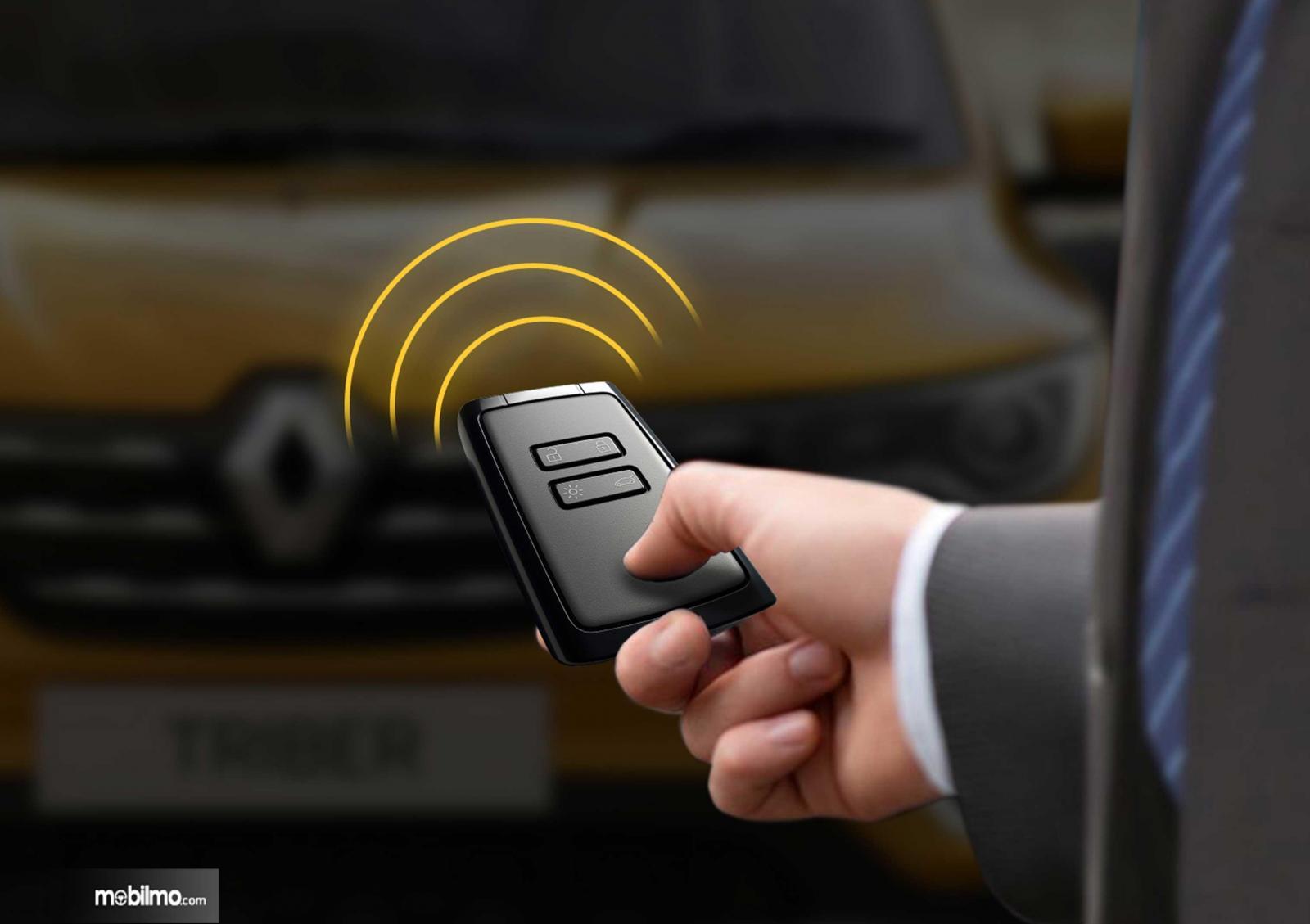 Gambaran pemakaian Smart Access pada Renault Triber