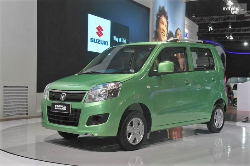 Foto menunjukkan Suzuki Karimun Wagon R 2013 saat di pamerkan di IIMS 2013