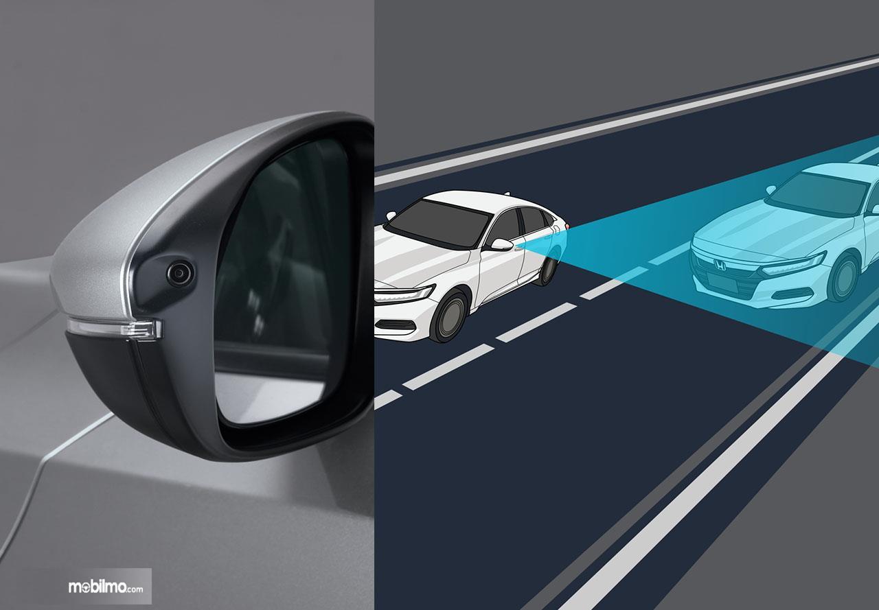 Gambar fitur Lane Watch pada All New Honda Accord, berbelok jadi lebih aman