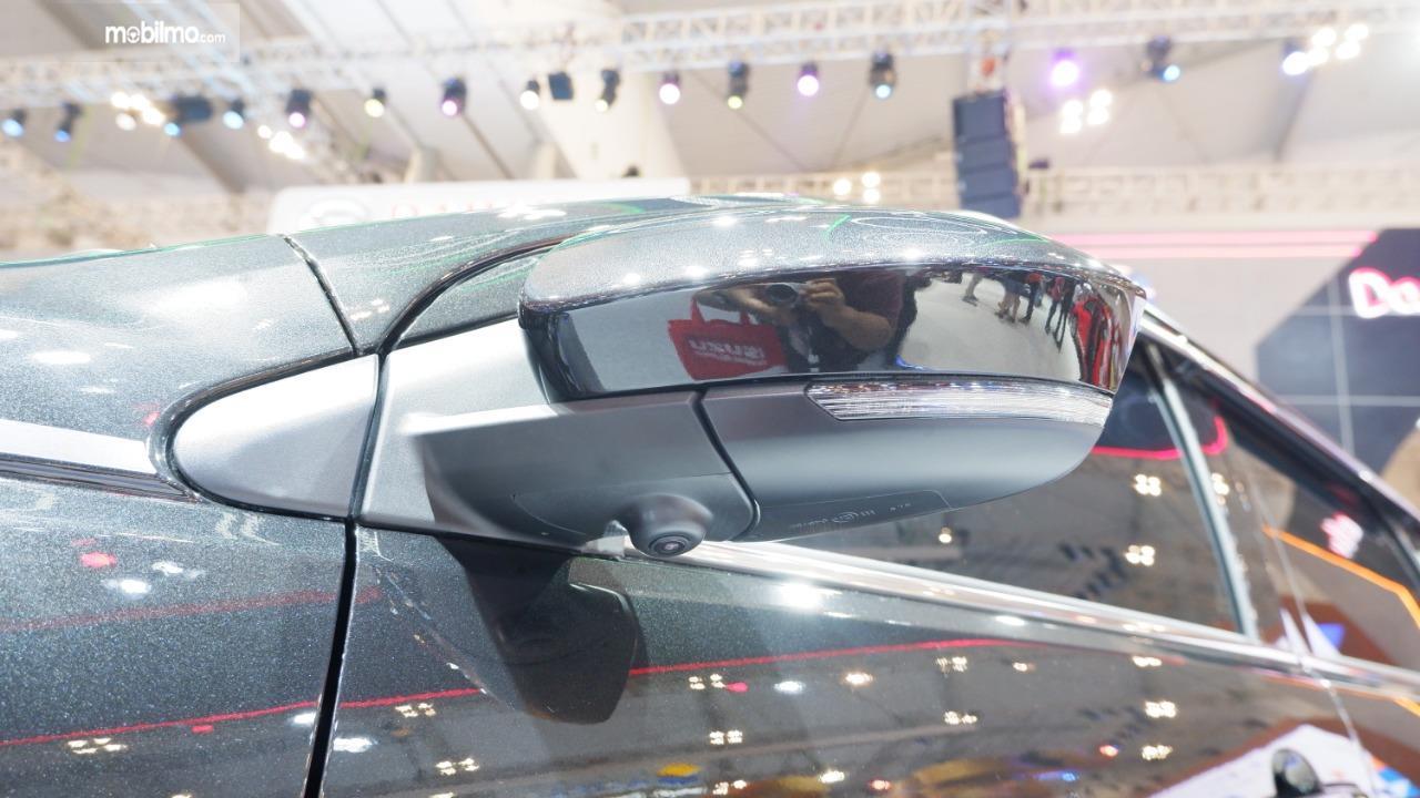 Gambar menunjukkan Kamera parkir pada mobil Daihatsu Terios SE 2019