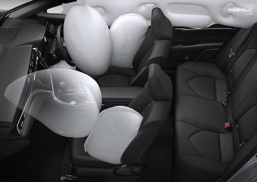 Foto menunjukkan Fitur keselamatan All New Camry 2019 - airbags