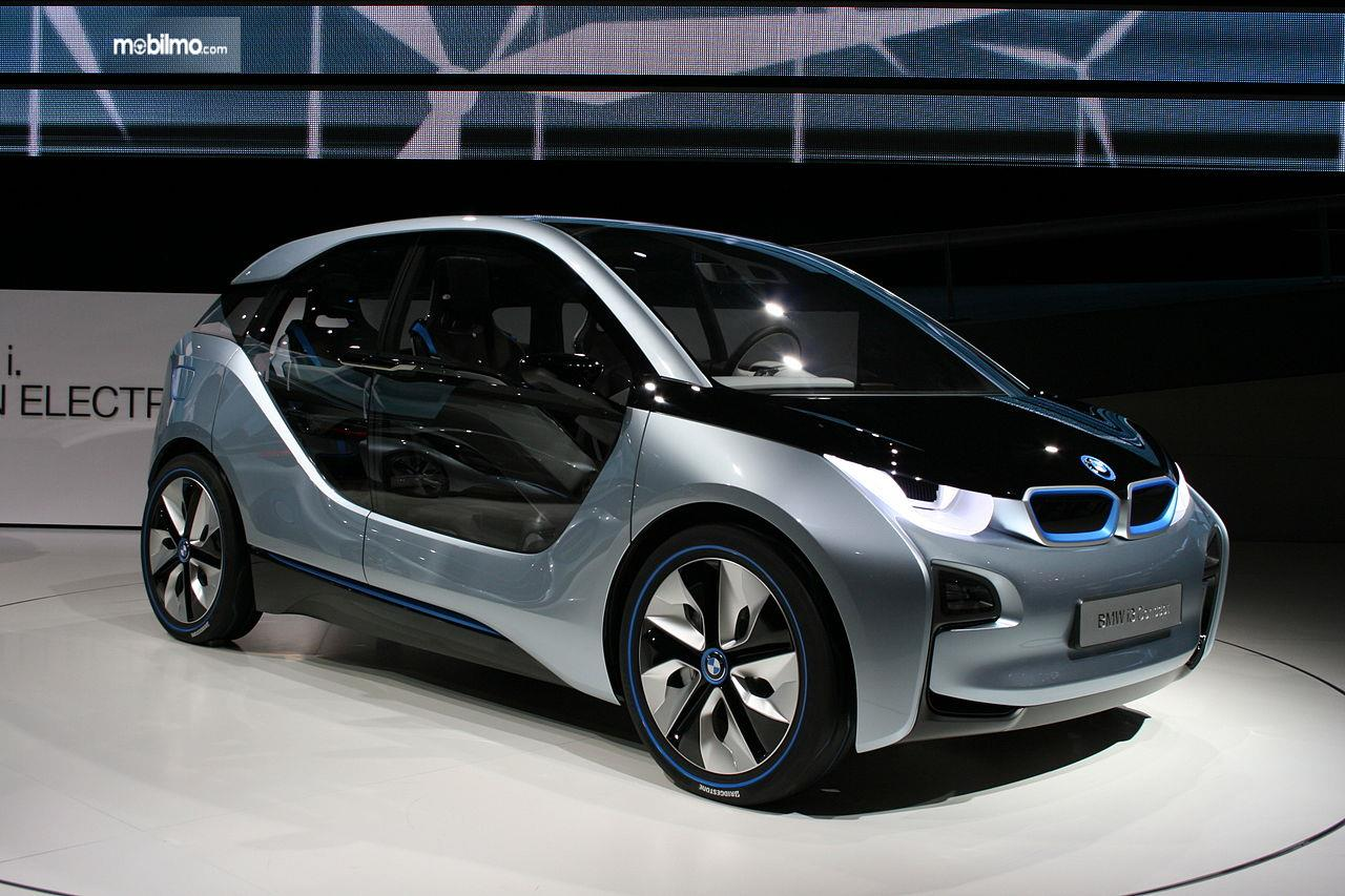 Foto BMW i3 Concept 2011 di pameran International Motors Show Germany 2011