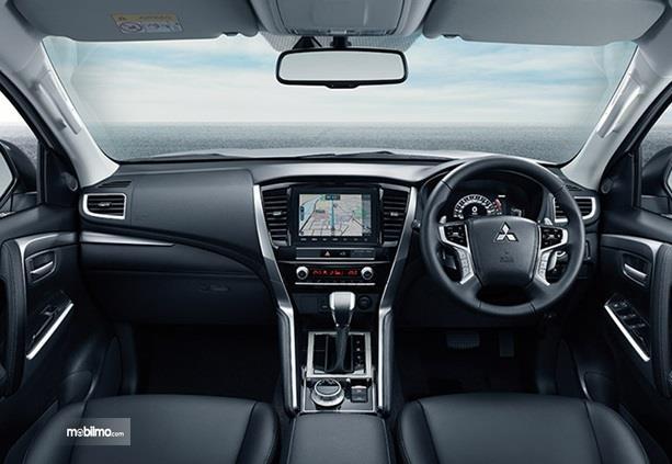 Dashboard Mitsubishi Pajero Sport 2020 sudah dilengkapi dengan Head Unit canggih dibanding versi sebelumnya