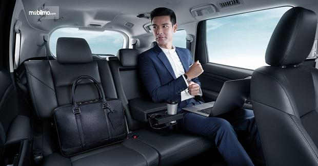 Kursi Mitsubishi Pajero Sport 2020 sudah dibekali Captain Seat pada deret bangku kedua serta bahan kulit di tiap kursinya