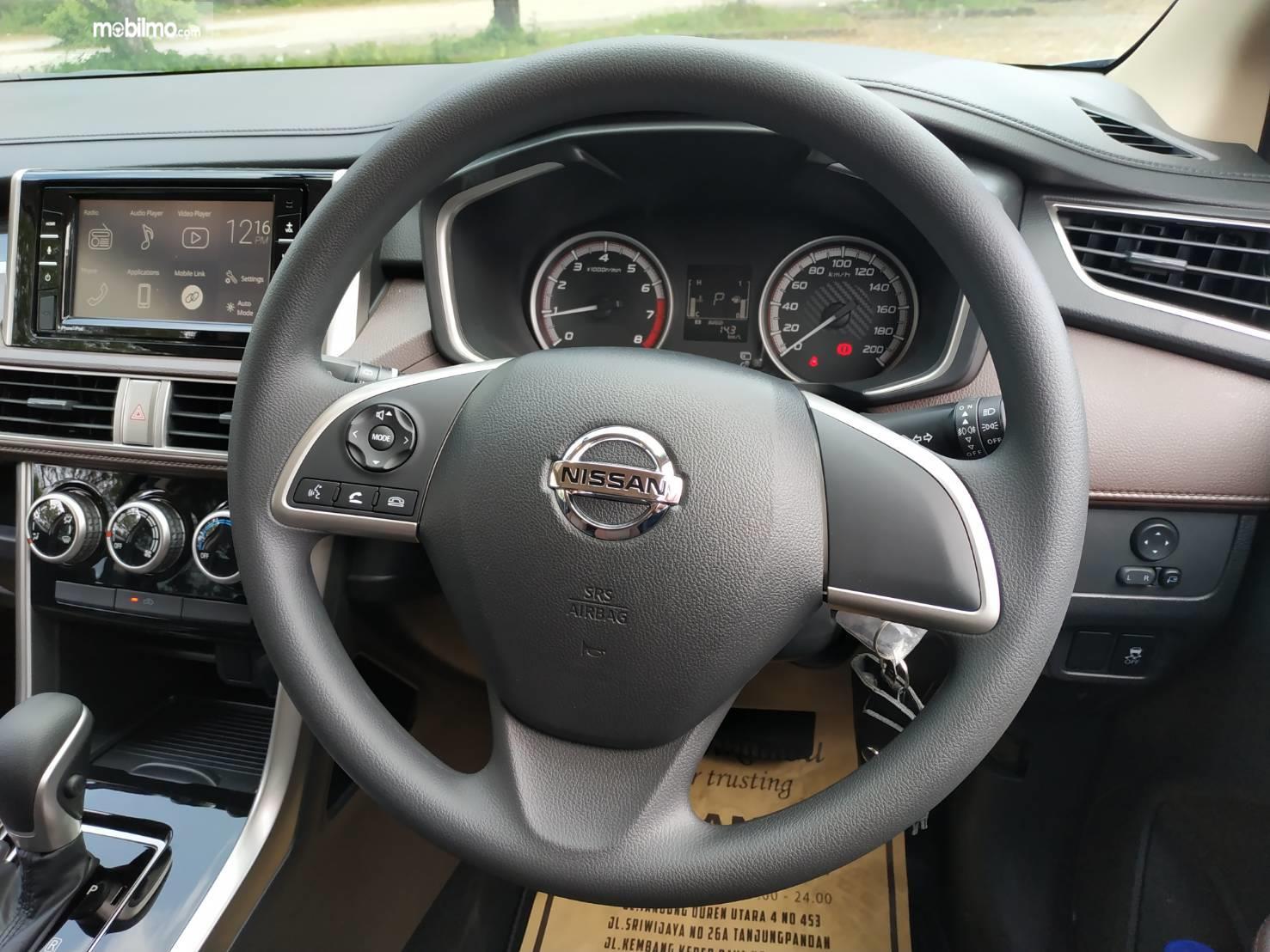 Gambar Menunjukkan Setir Nissan Livina