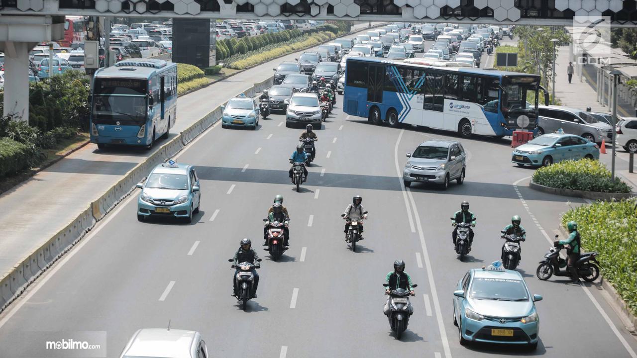 Foto salah satu kondisi lalu lintas di kota Jakarta
