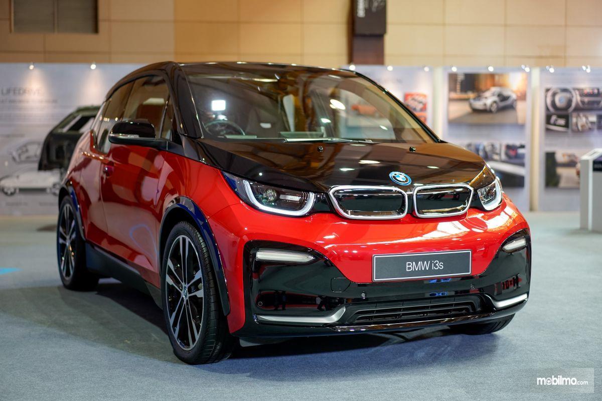 Foto BMW i3s saat di pameran GIIAS 2019