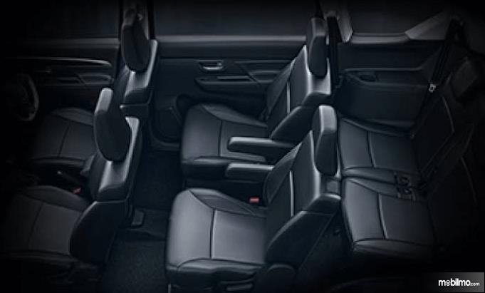 Gambar ini menunjukkan jok mobil Suzuki XL6 berjumlah 6 buah