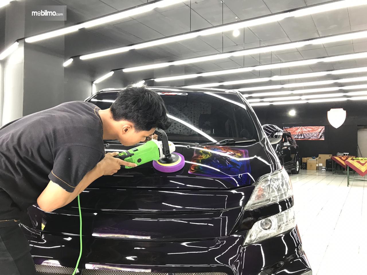 Layanan Poles Mobil Scuto Lampung