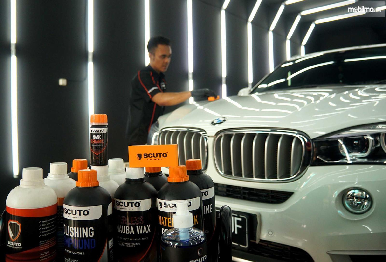 Layanan Poles Mobil Scuto Lampung menggunakan cairan dan produk dari Scuto Indonesia