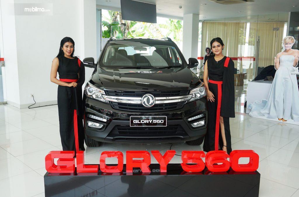 Foto DFSK Glory 560 saat diluncurkan di diler DFSK Padang Sumatera Barat