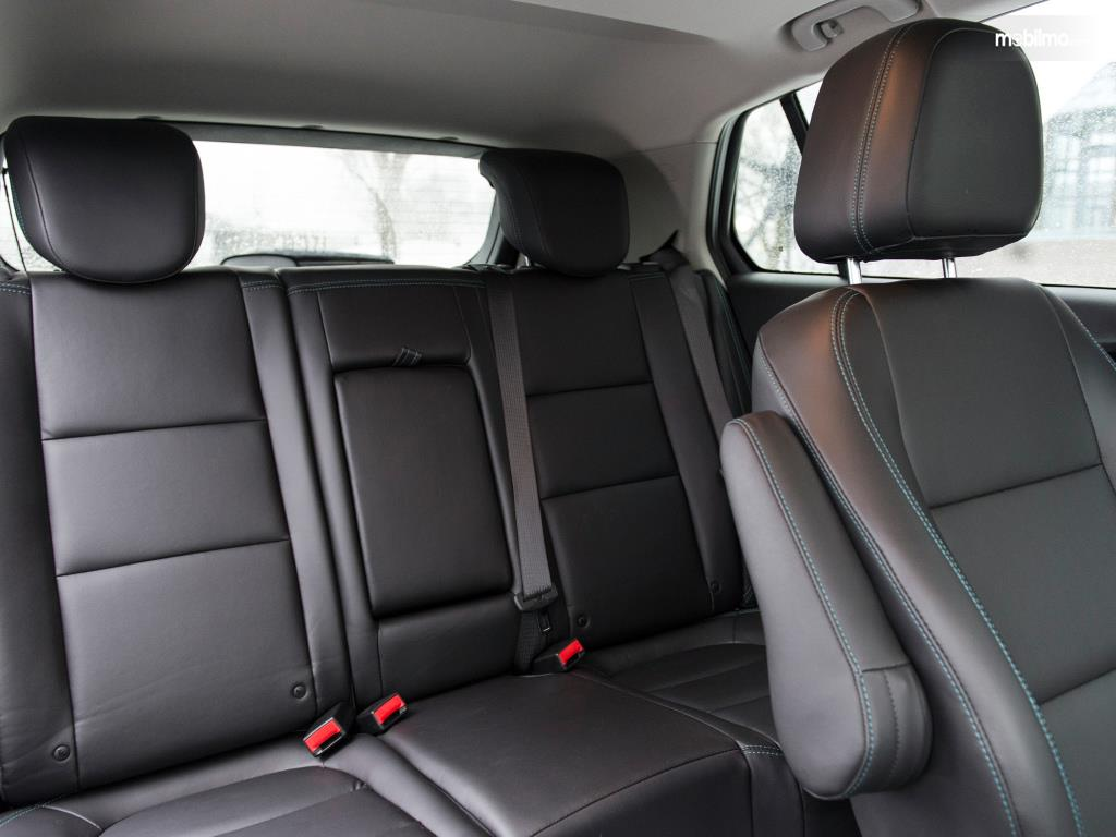 Kursi Chevrolet Trax 2015 mampu menampung hingga 5 orang sekaligus