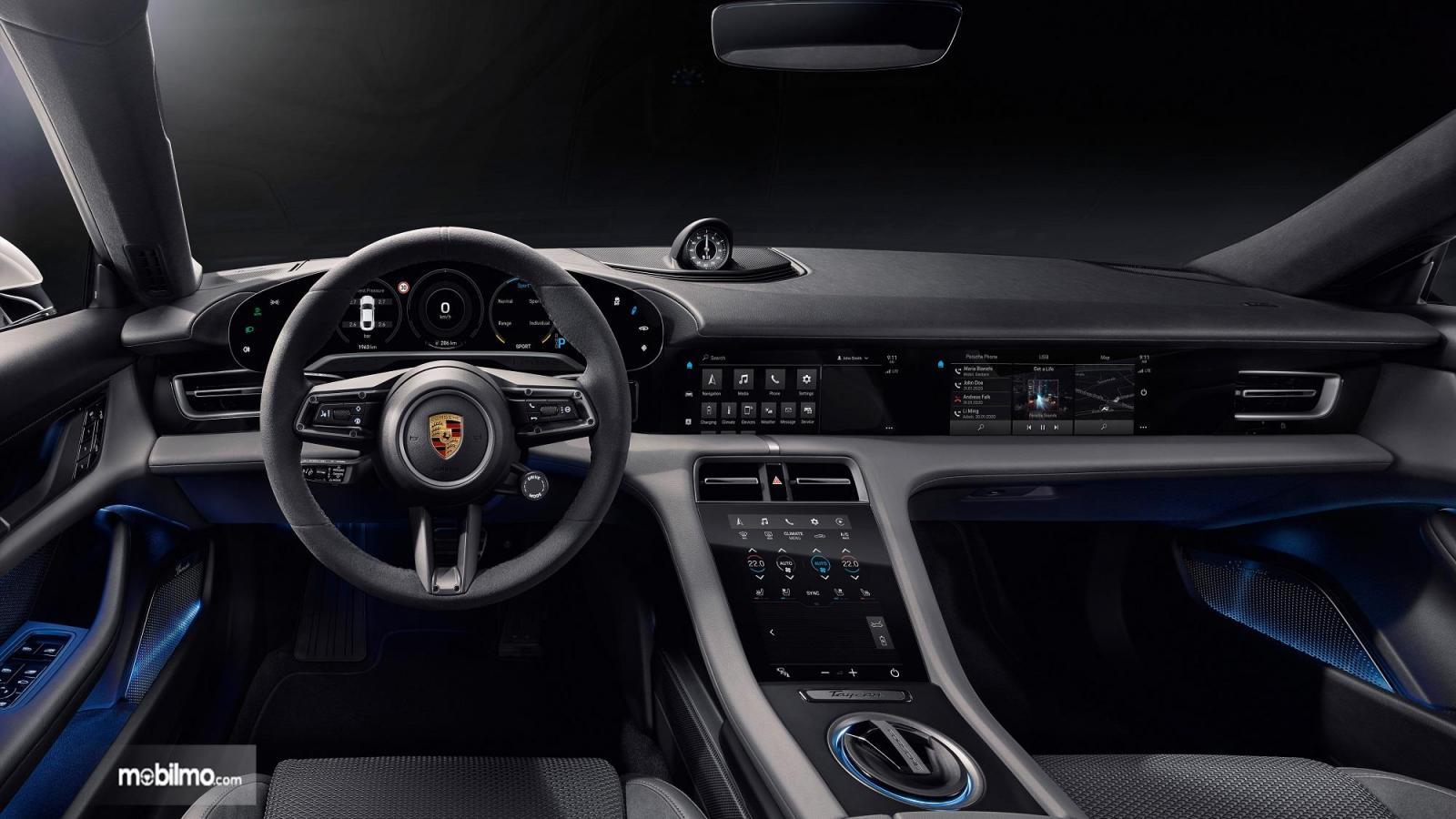 Foto menunjukkan bagian Interior Porsche Taycan Turbo S