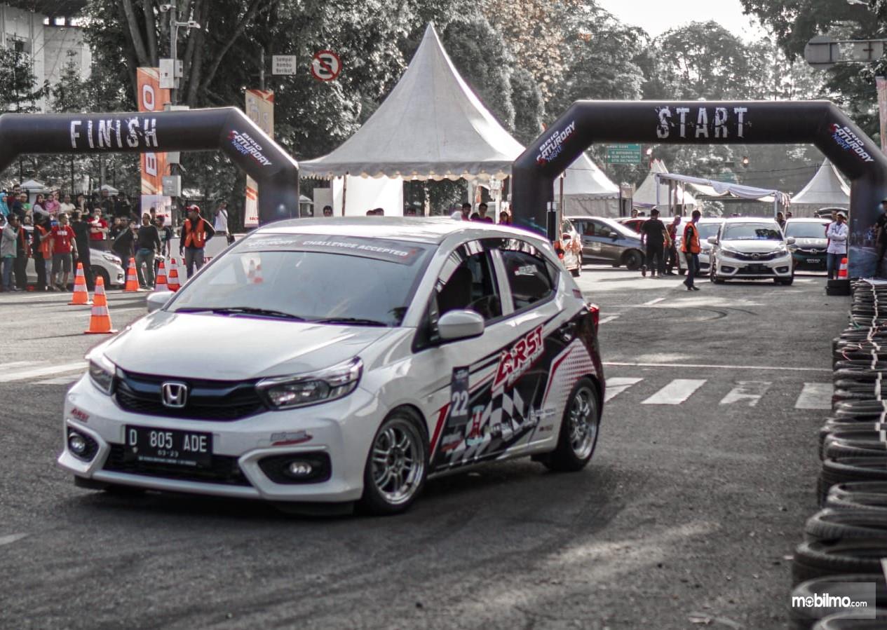 Foto salah satu peserta Brio Saturday Night Challenge seri kedua di Bandung