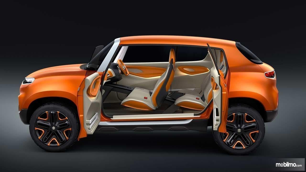 Foto memperlihatkan Kabin Suzuki Future S Concept