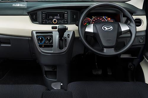 Foto dashboard dan setir Daihatsu Sigra 1.2 R AT Deluxe 2016