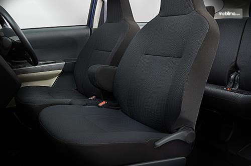 Foto Kursi Daihatsu Sigra 1.2 R AT Deluxe 2016