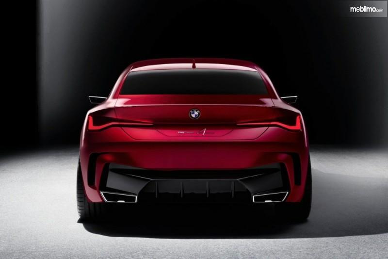 Bagian belakang BMW Concept 4