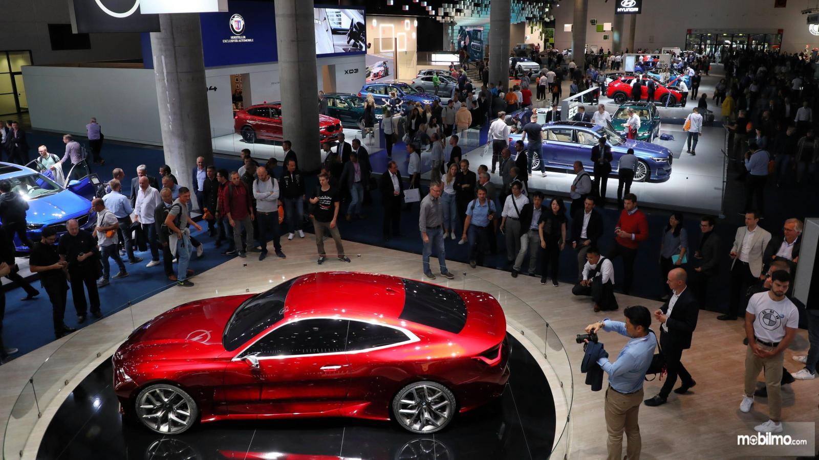Foto menunjukkan suasana di pameran Frankfurt Motor Show 2019