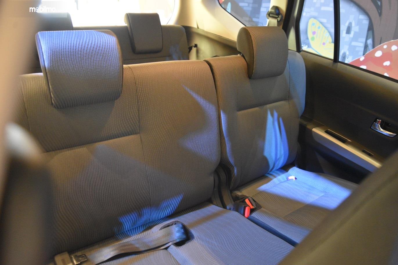 Kursi Daihatsu Sigra 2019 mampu menampung hingga 7 orang sekaligus, cocok untuk dijadikan mobil keluarga