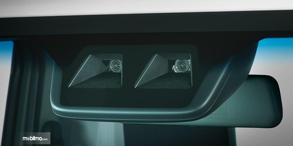 Gambar menunjukkan Radar Subaru Sambar Truck 2019