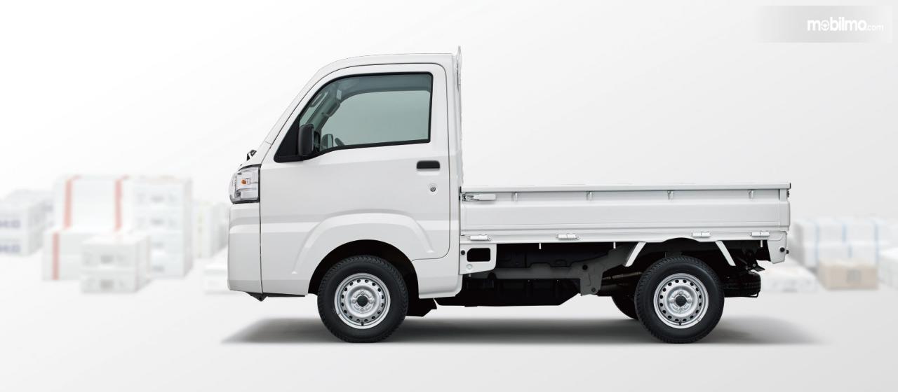Gambar menunjukkan tampilan samping Subaru Sambar Truck 2019