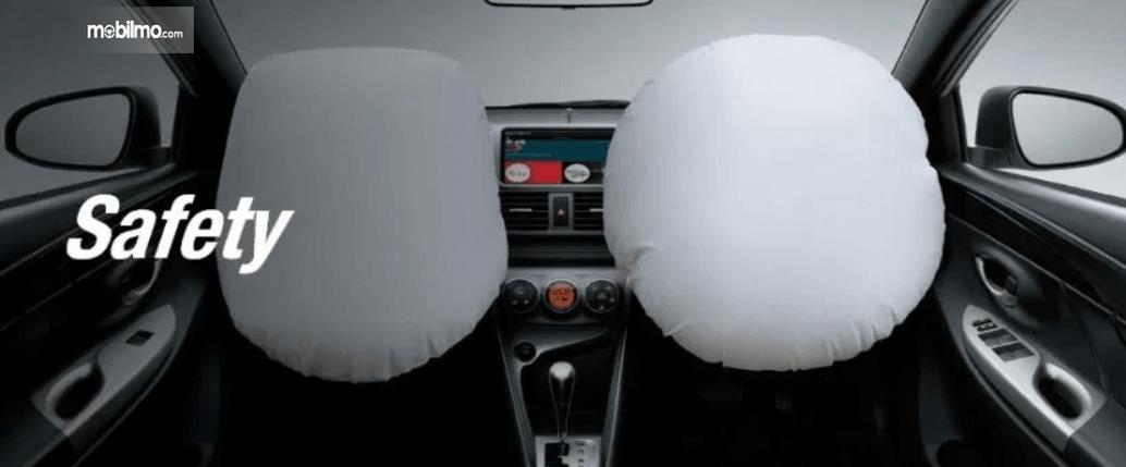 Gambar ini menunjukkan fitur airbags Toyota Yaris Heykers 2016