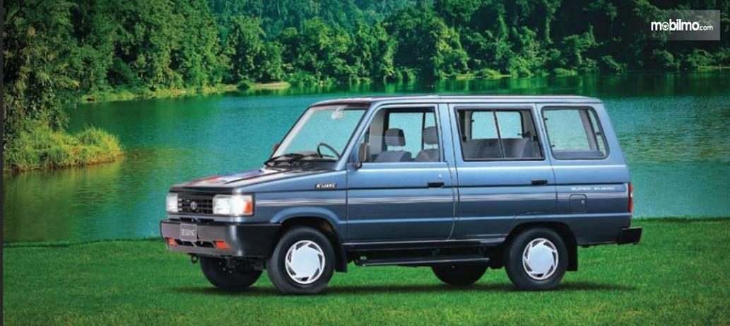 Gambar menunjukkan Toyota Kijang Super Kijang Grand Extra