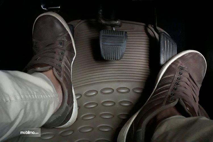Kopling sering diinjak oleh pengemudi
