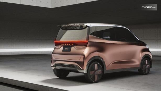 Fitur Nissan IMk Concept 2019 sudah dibekali teknologi ProPilot RemotePark yang mampu melakukan proses parkir secara otomatis