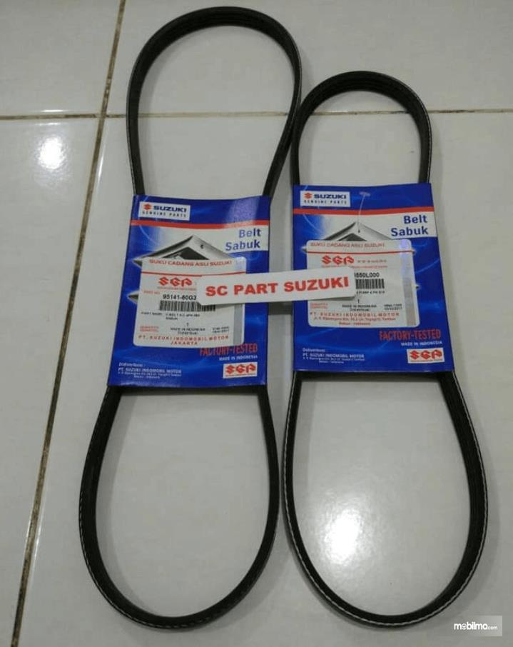 Gambar ini menunjukkan fan belt dalam kondisi baru