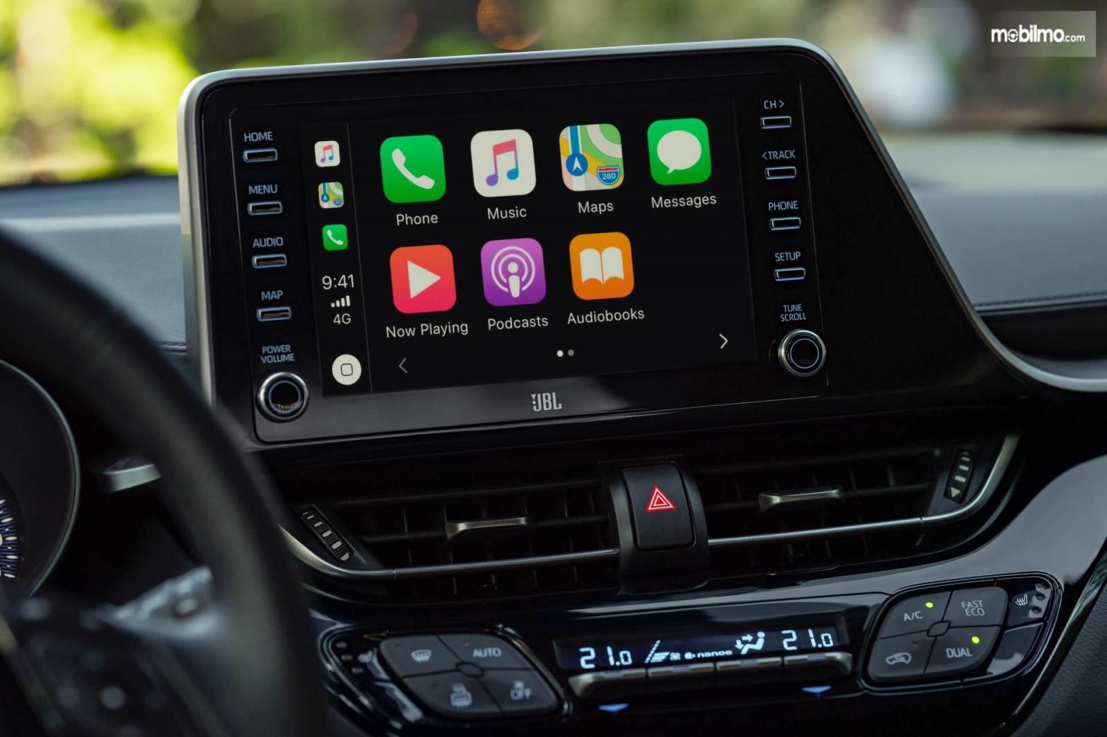 Foto menunjukkan Interior Toyota C-HR Hybrid terbaru