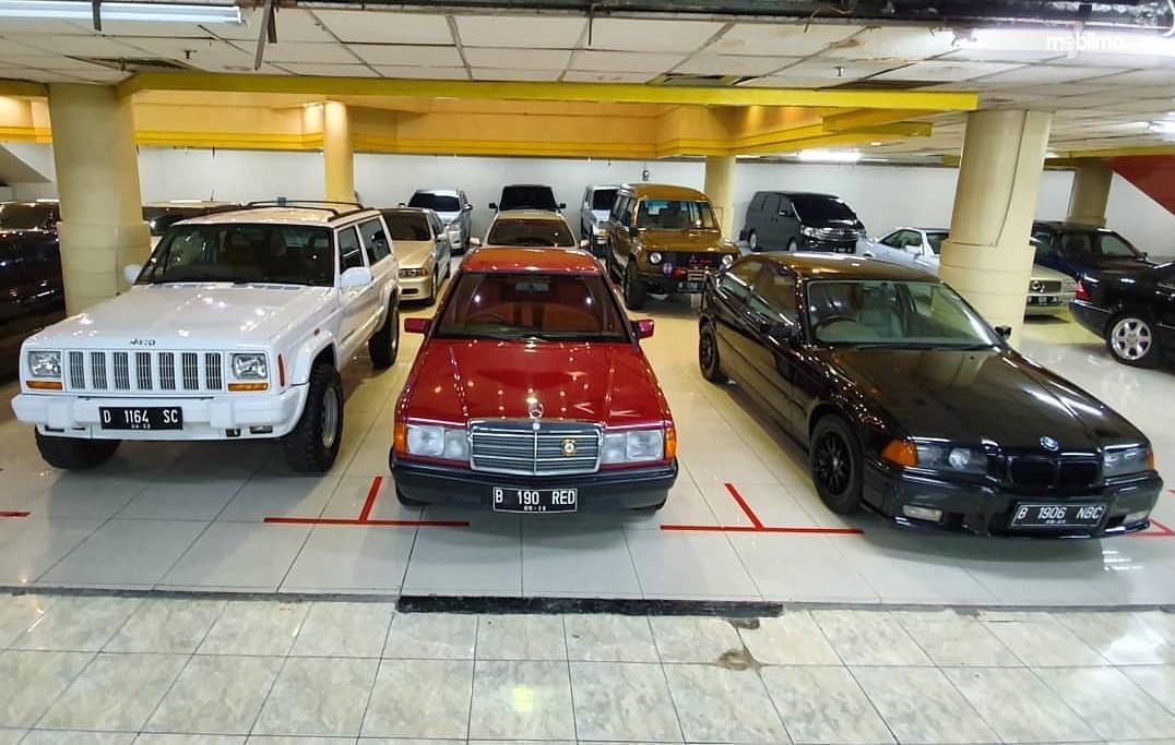 Foto menunjukkan Mobil bekas berkualitas di diler Malique Selatan Djakarta