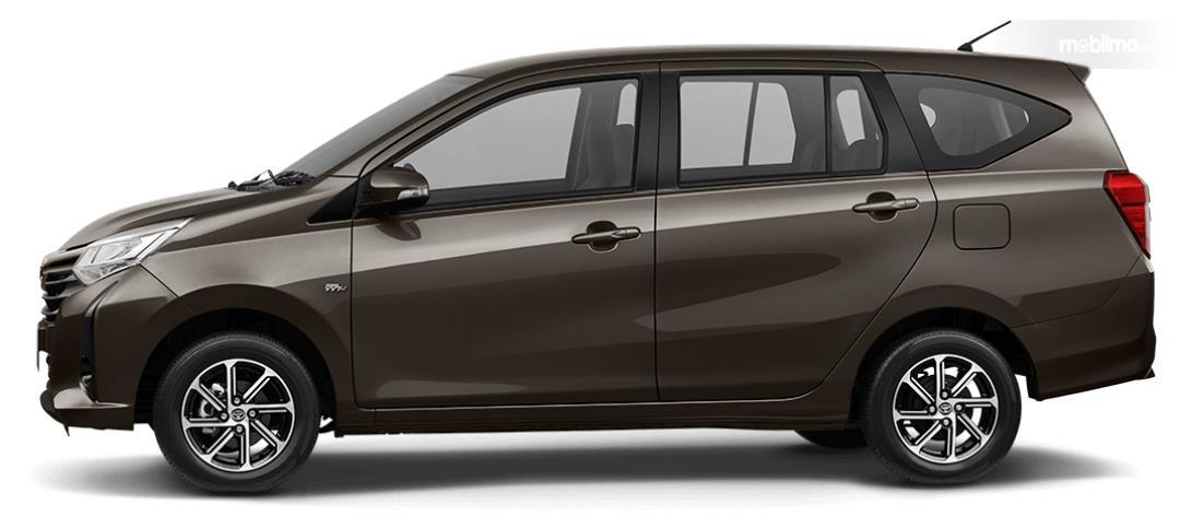 Foto bagian samping Toyota Calya G AT 2019