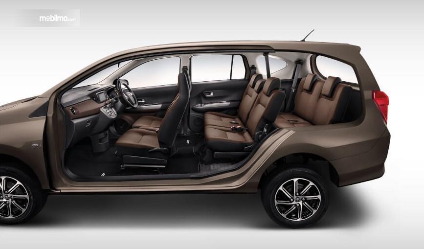 Foto Jok Toyota Calya G AT 2019 yang bisa memuat 7 penumpang
