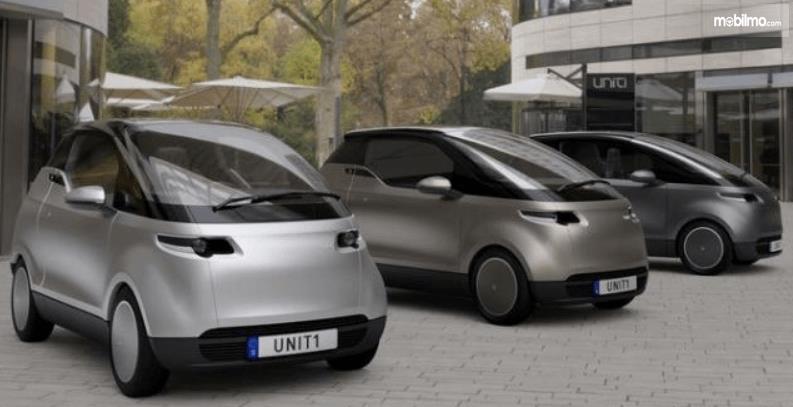 Gambar ini menunjukkan 3 mobil listri dari perusahaan Uniti