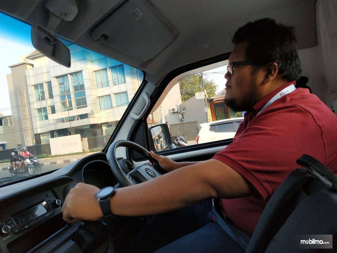 Gambar menunjukkan Test drive DFSK Super Cab
