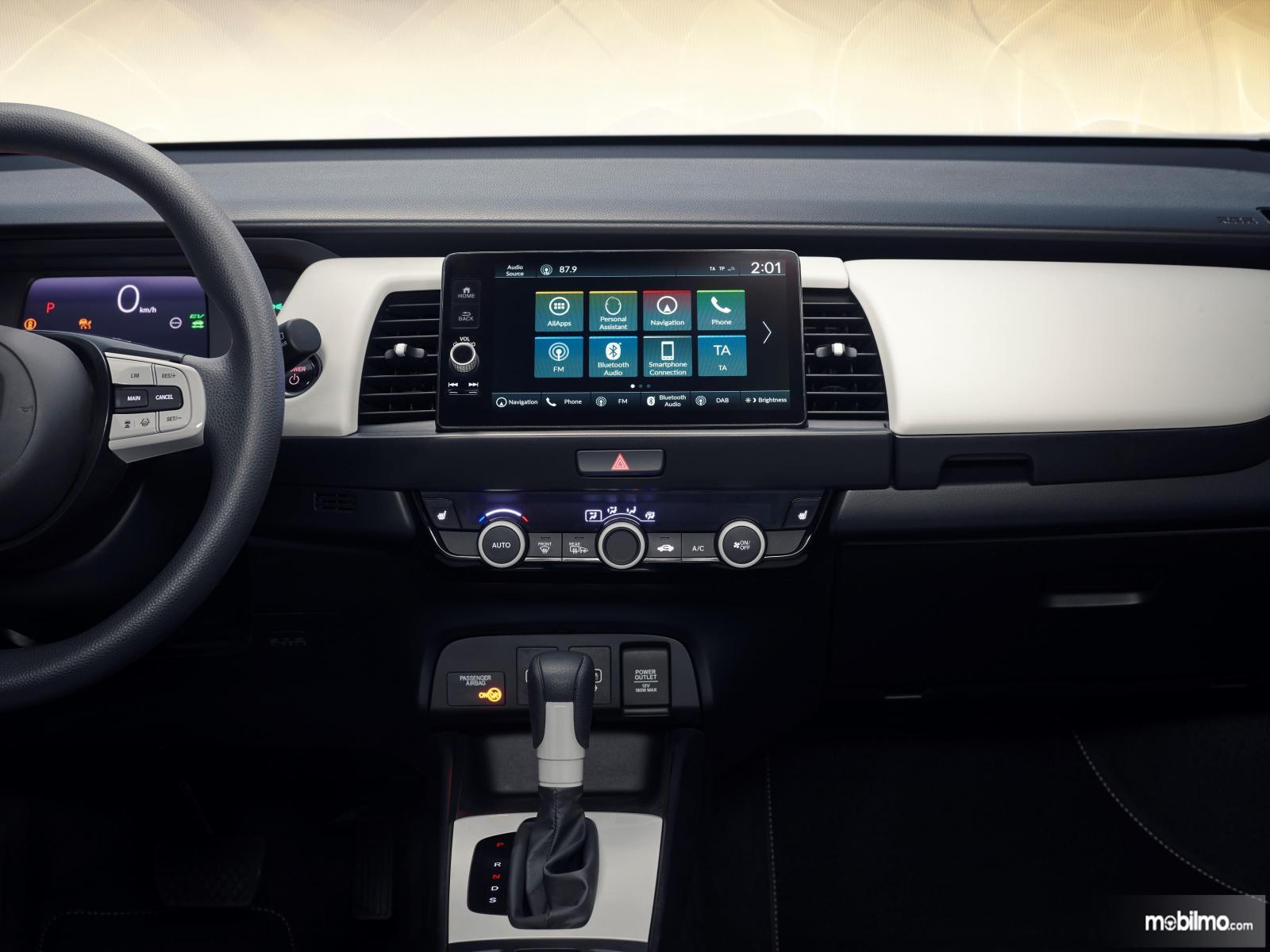 Gambar menunjukkan In Car Entertaiment All New Honda Honda 2020