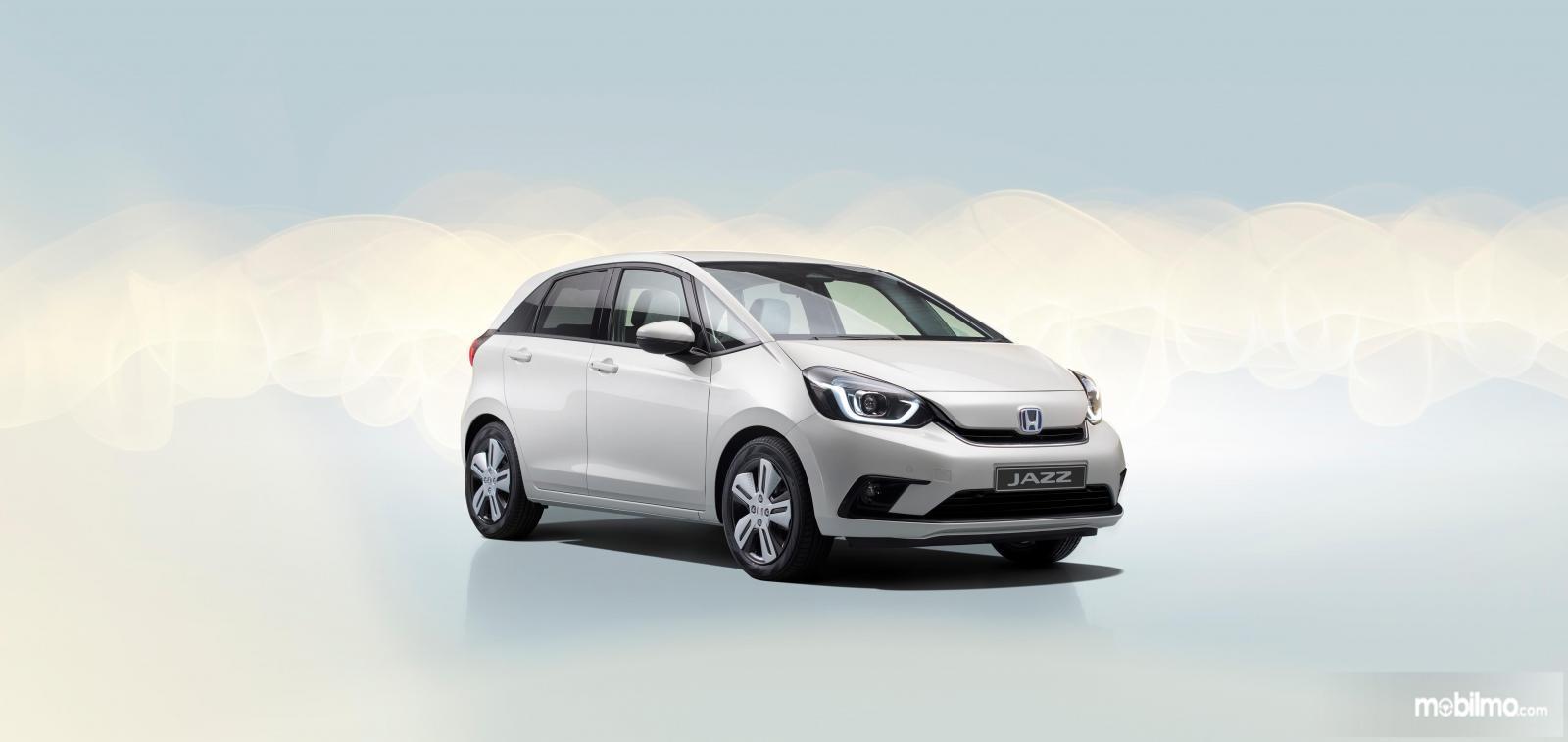 Gambar menunjukakkan Honda Jazz 2020