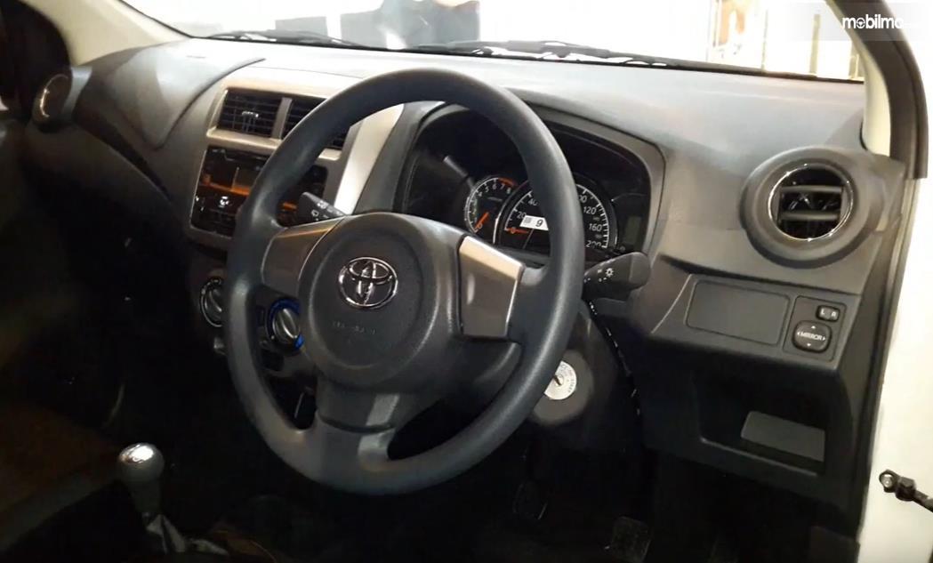 Foto Ruang kemudi Toyota Agya 1.0 G M/T Facelift 2017