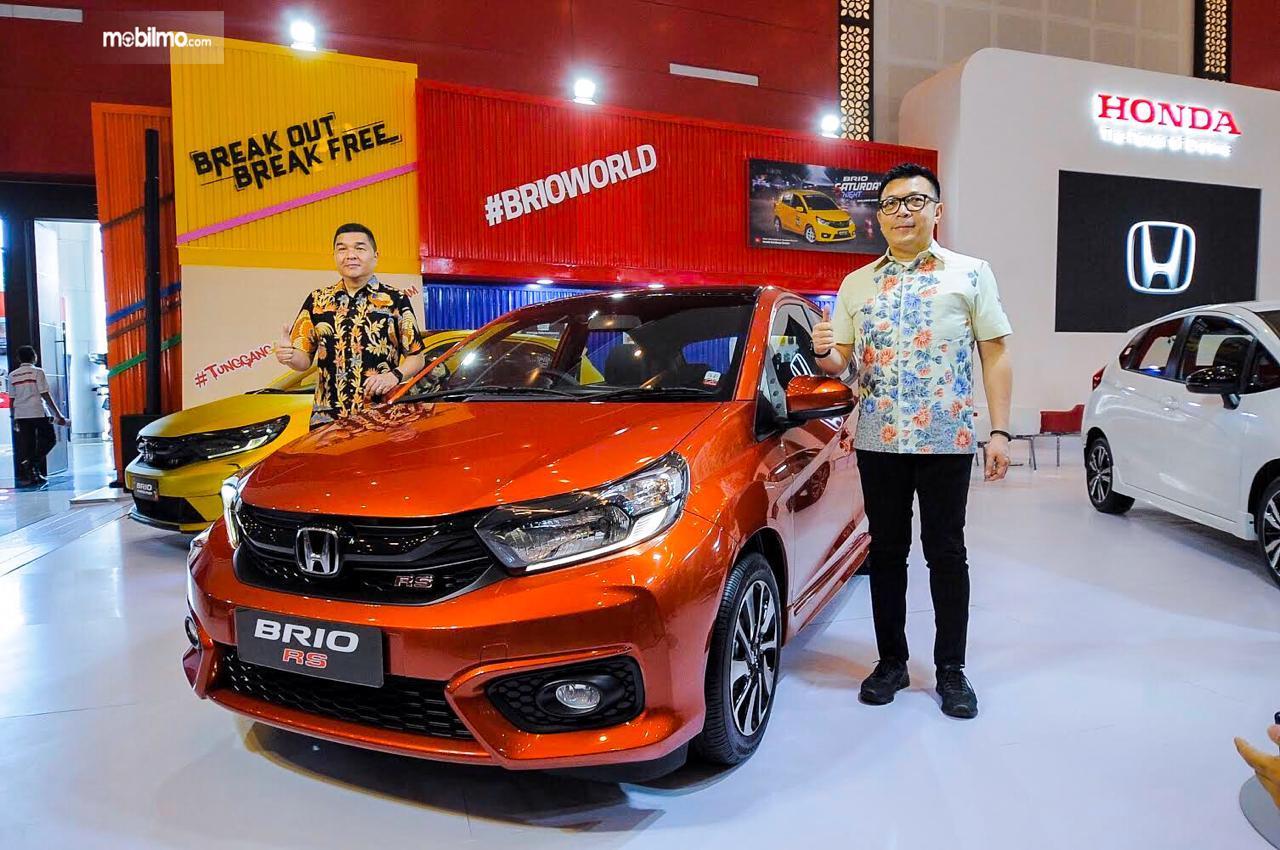 Foto Honda Brio RS di IIMS Surabaya 2019 berwarna orange