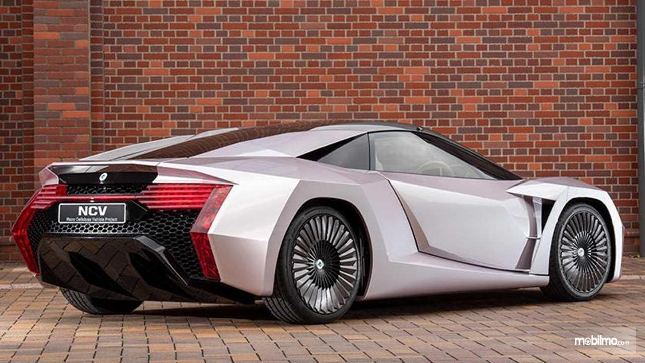 Nano Cellulose Vehicle (NCV) berwarna silver sangat canggih
